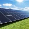 Solceller på græs